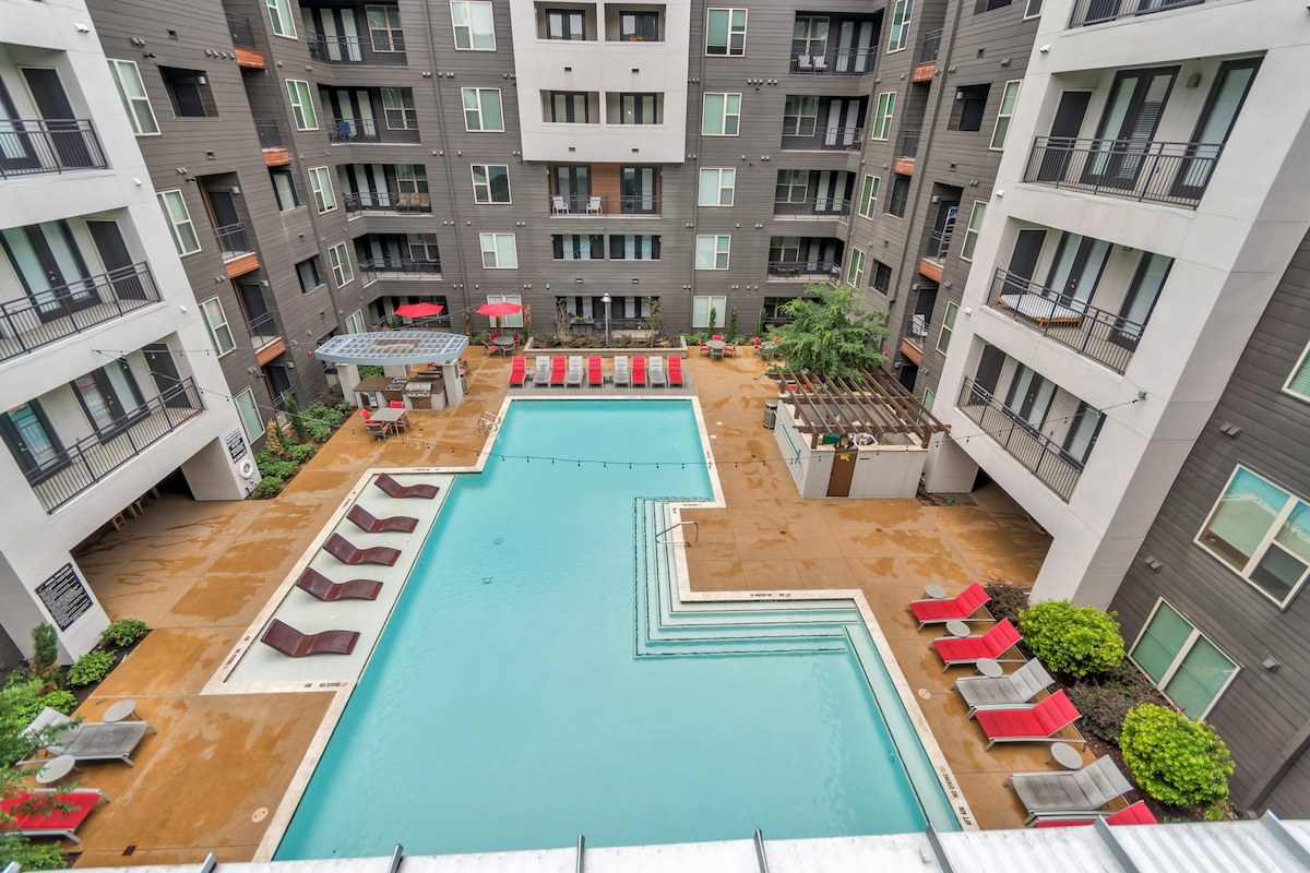 ☆ RIGHT IN THE CENTER OF IT ALL Upscale Brand New☆   Apartments For Rent In  Dallas, Texas, United States