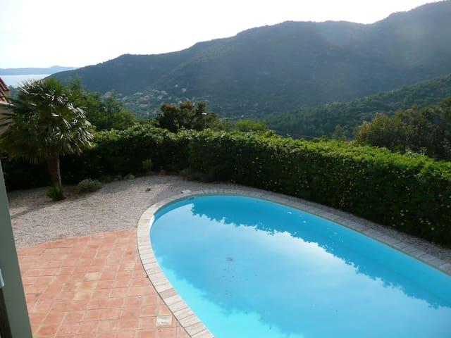 Maison,piscine privée ,calme - Rayol-Canadel-sur-Mer - House