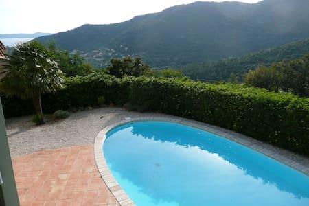 Maison,piscine privée ,calme - Rayol-Canadel-sur-Mer - Casa