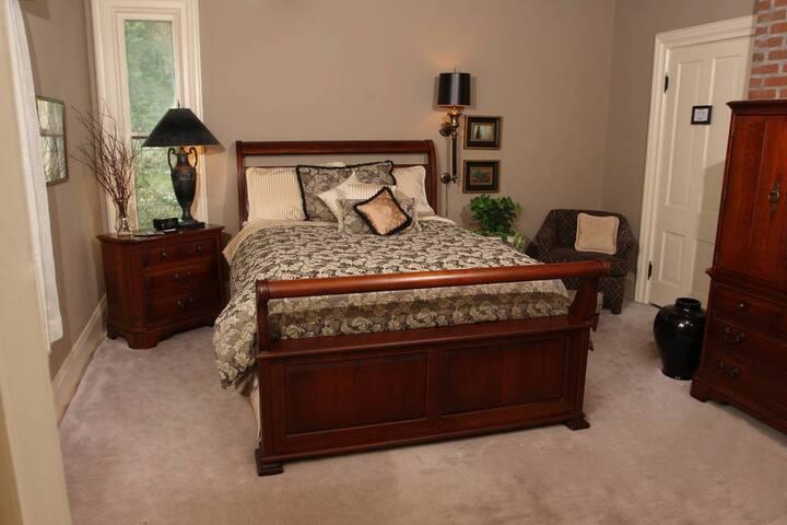 Chestnut Suite - Apple Tree Lane Bed & Breakfast