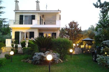 Secret Garden - Evia
