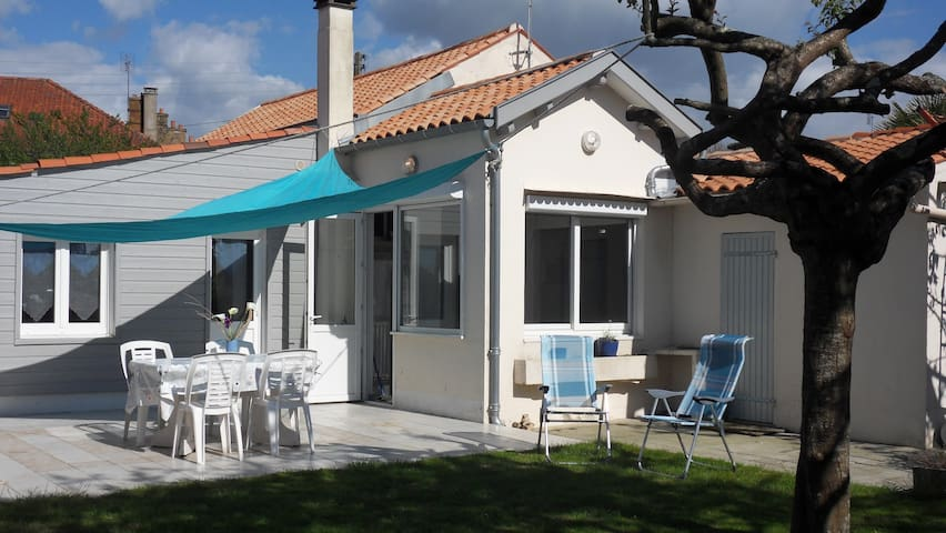 CAPITAINE DE VAISSEAU J L HERMINIER - Rochefort - Σπίτι