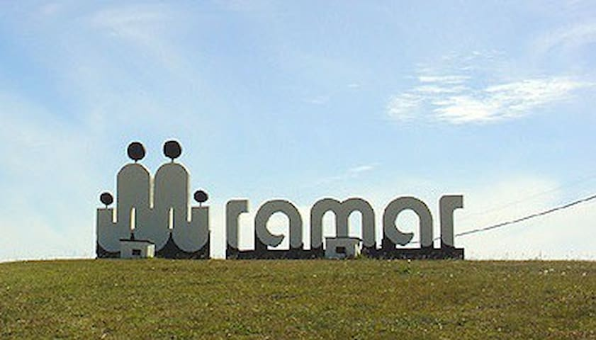 Casa en Miramar a tres cuadras de la playa - Miramar - Casa