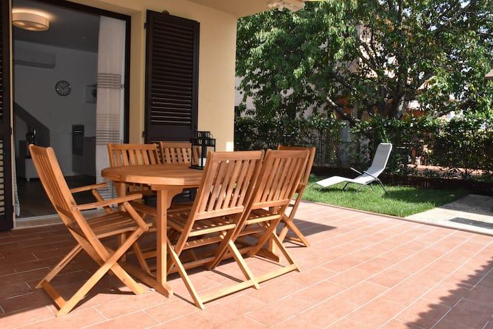 Villetta al mare con giardino privato