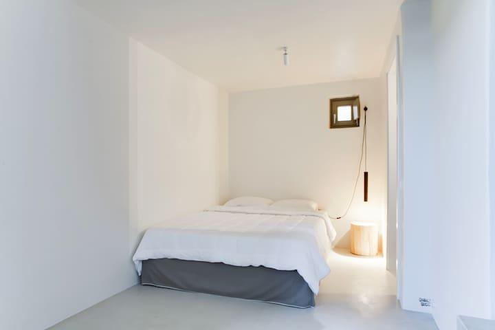 lower ground floor, bedroom