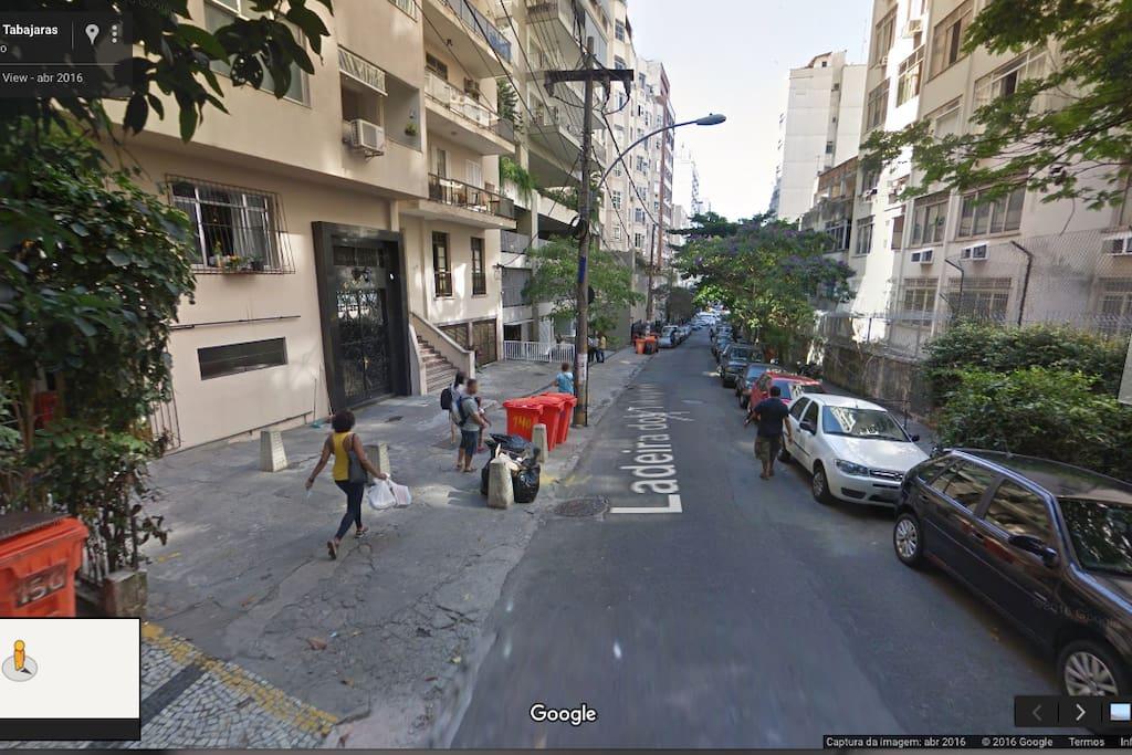 A rua.