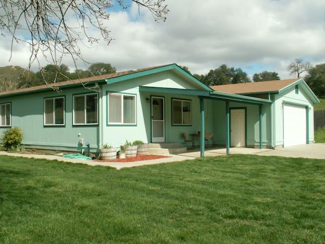 3 Bedroom Near SLO-Cal Poly, Beaches, Wine Tasting - Santa Margarita