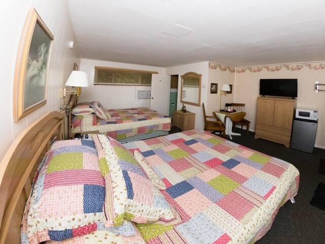 Hillside Room 07-Quadrupla-Bagno in camera-Lusso