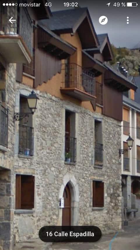 Apartamento en casa pirenaica