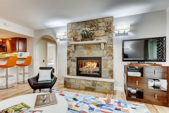 Vail Village - Three bedroom condominium in Vail Village with pool and hot tub