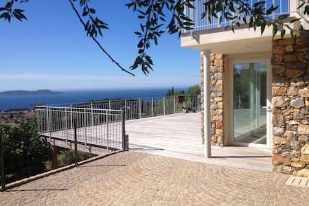 Calme absolu, vue imprenable, confort d'exception - Carqueiranne - Villa
