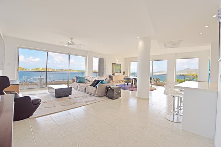 Island Time- Luxurious 2 BR Condo. Stunning views!