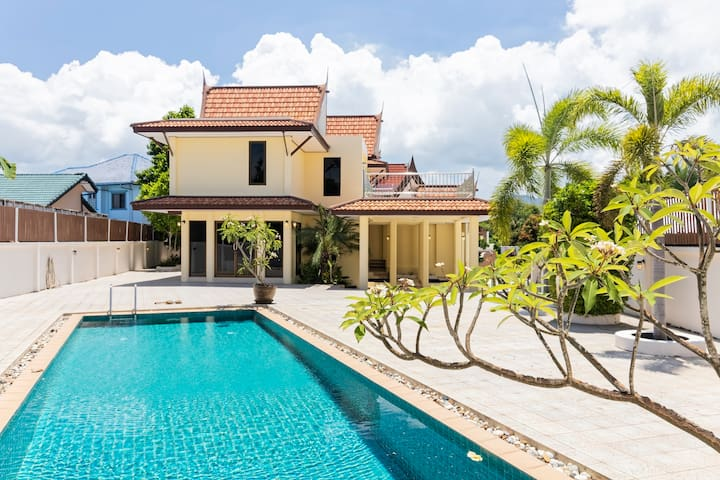 Amy's house, 3 bed room villa,swimming,chalong