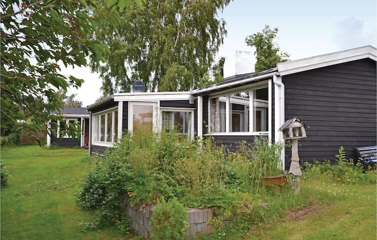 Holiday cottage with 2 bedrooms on 57m² in Ølsted