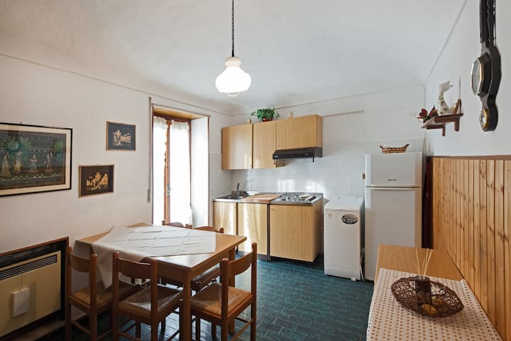 BILOCALE I DX - Vernante - Lägenhet