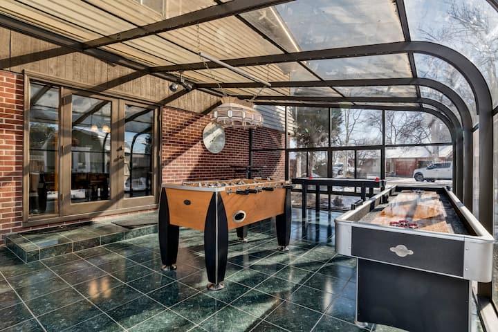 Convenient West Denver *Updated* 8 Beds! Game Room