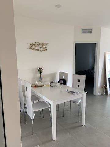 Room for rent in brickell