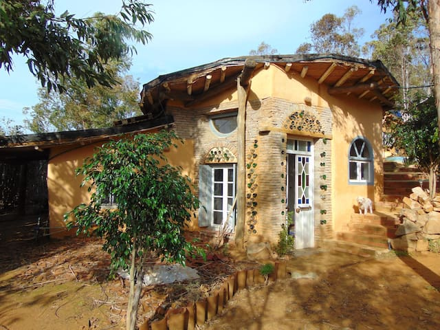 Assilah Eco Village Yin Yang Hobbit House