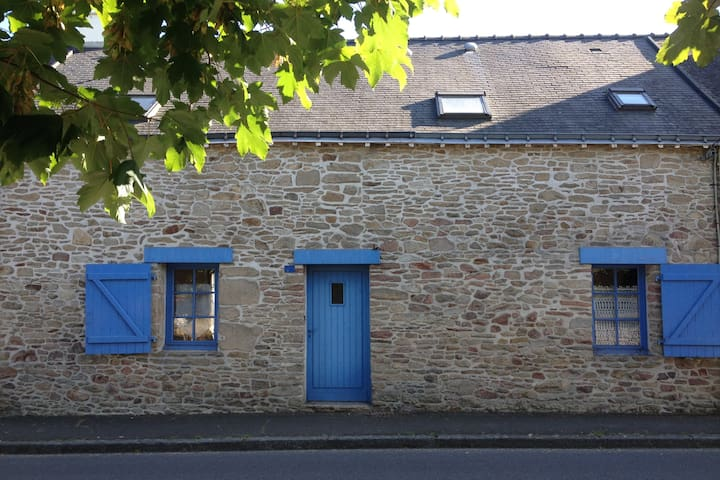 Charmante maison de vacances entre mer et campagne - Férel - Hus