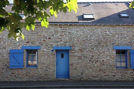 Charmante maison de vacances entre mer et campagne - Férel - House