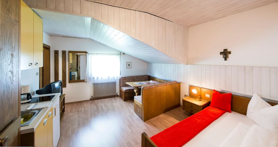 Holiday Apartment in a Quiet Location with Wi-Fi and Balcony; Pets Allowed