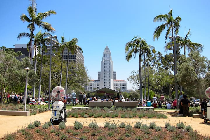 Minutes from Grand Park/City Hall