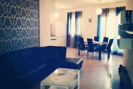 Modern Apartment close to Public Transport and Sea - Msida - Wohnung
