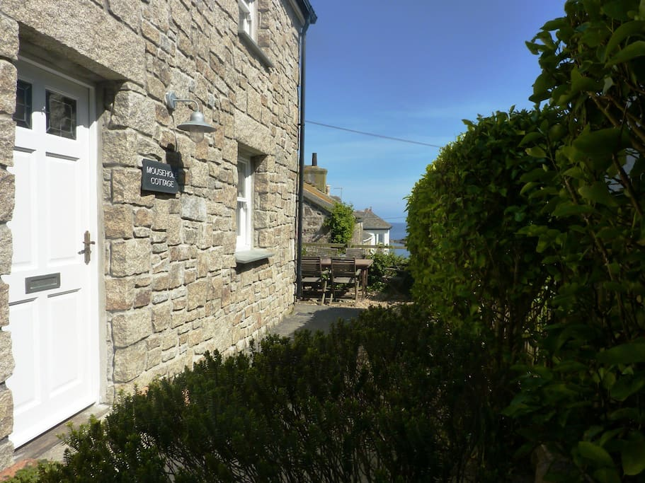 Beautifully located only 60m from the harbour