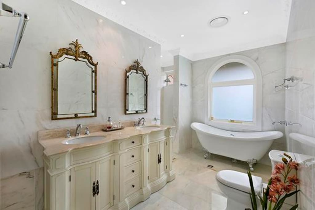 Deluxe marble bathroom