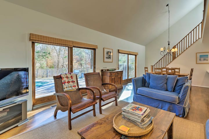 Classic East Hampton Home w/ Pool: Walk to Village
