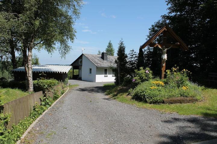 Ferienhaus mit Ausblick (Sauerland) für 4 Personen