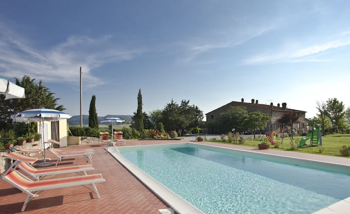 Stunning postition close to Volterra