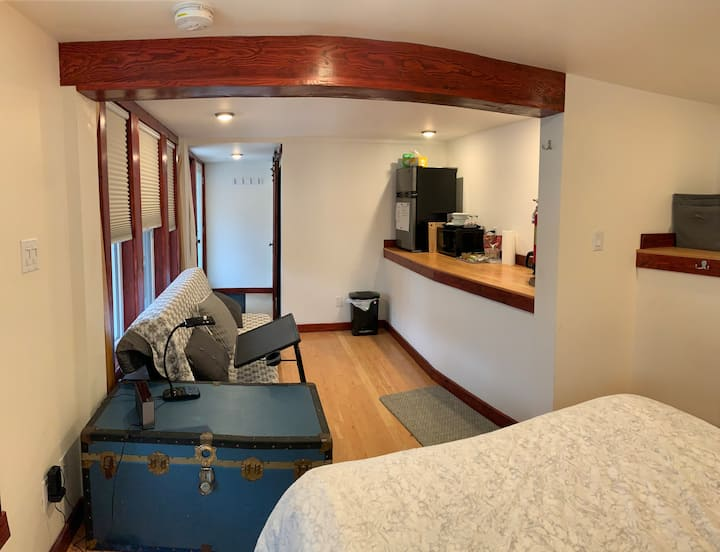 Brand new walk out studio in downtown Nelson