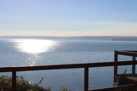 Rare Gem of the Sound Big Ocean, Water & Mtn view