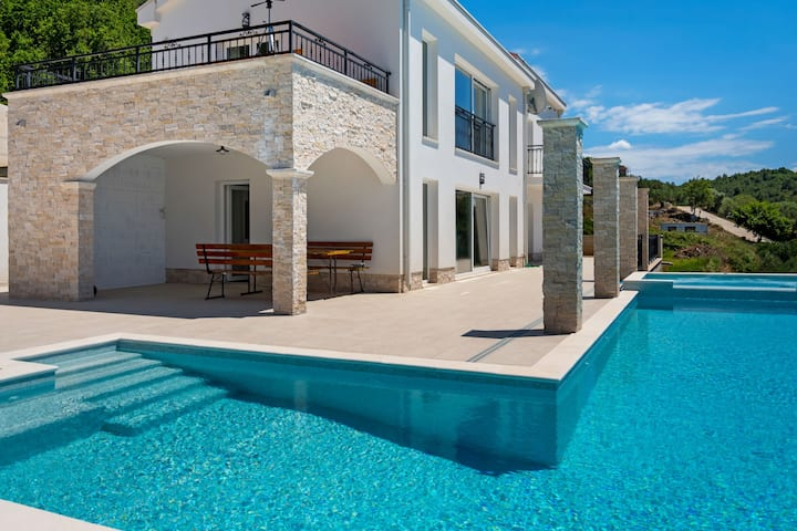 Classy Holiday Home In Slivno Duba With Swimming Pool Houses For Rent In Slivno Duba Croatia