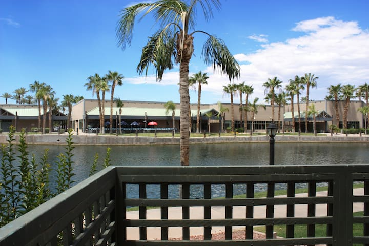Lakefront 2BR 2Bath Renovated Condo in Chandler! - Chandler - Flat