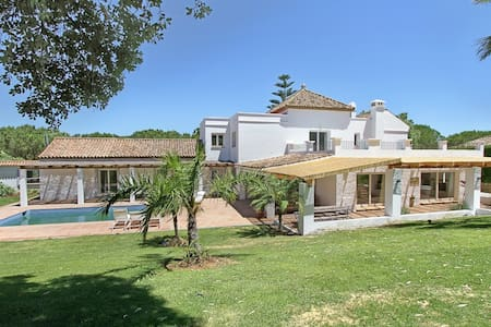 Sotogrande 5 bedroom Villa - San Roque - Villa