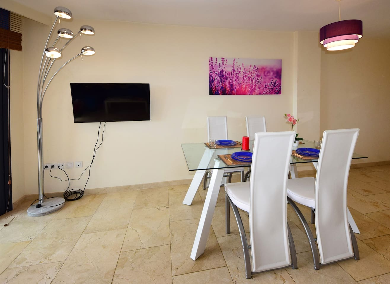 NETTE UND SONNIGE MODERNE WOHNUNG LOS CRISTIANOS - Apartments for ...