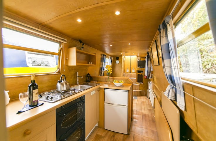 Mississippi - 2 Bedroom Narrow Boat - Chertsey - Båd