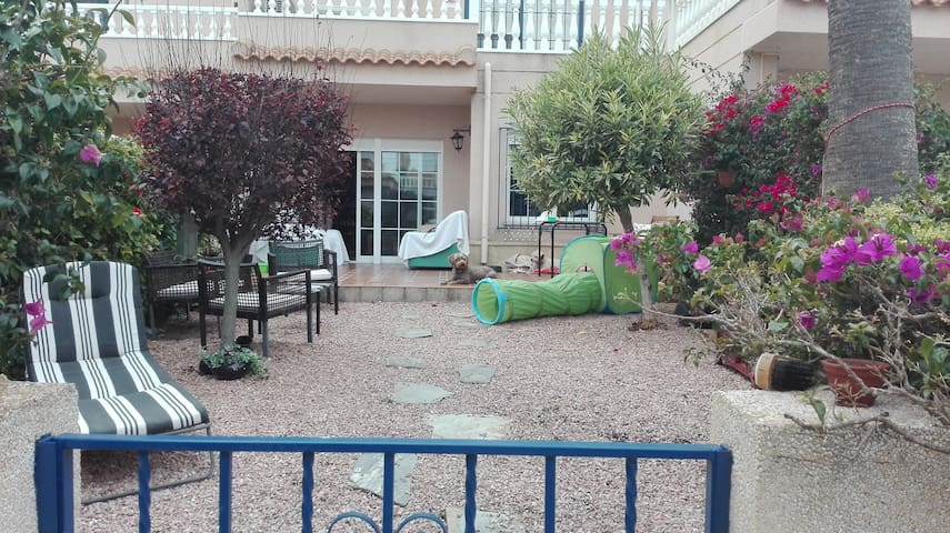 Charming bungalow, sun and beach! - Orihuela - Dom