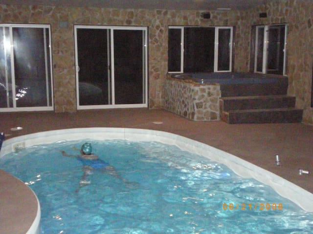 CO MTNS 2 BR GUEST STE-POOL & HTUB - Trinidad - Huoneisto