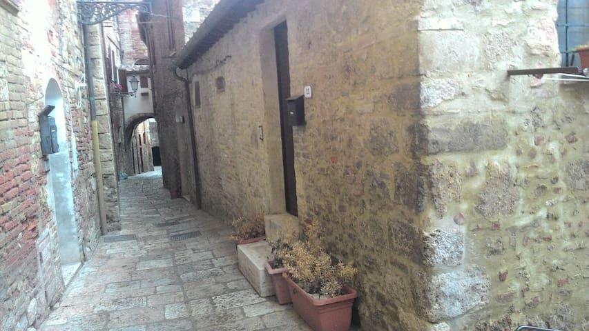Accogliente casa in centro storico - Colle di Val d'Elsa - Haus