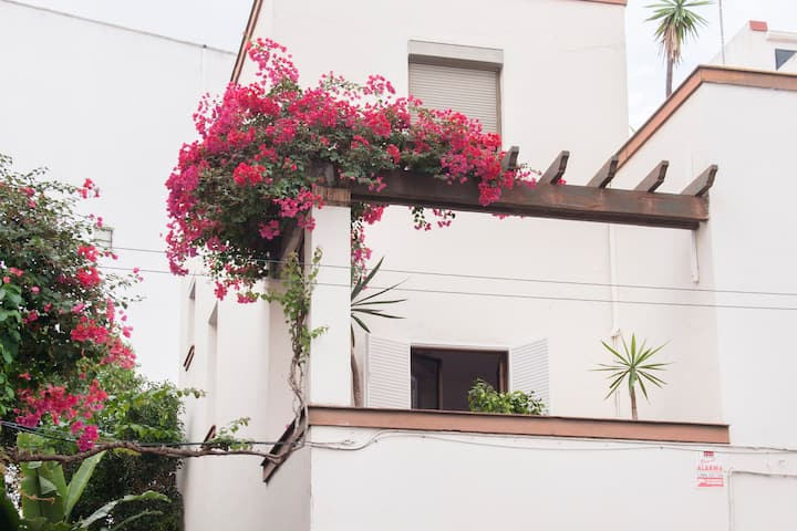 Cente lovely rooms with terrace  Vio/Ama
