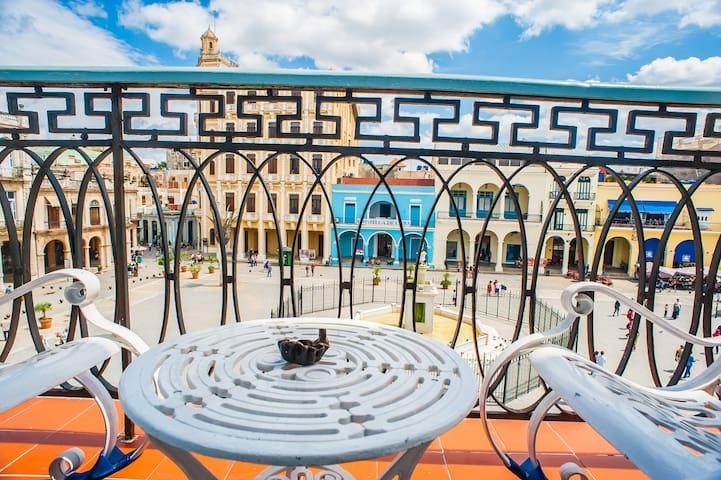 *Séjour Luxueux, 2 chambres, balcon à Plaza Vieja*