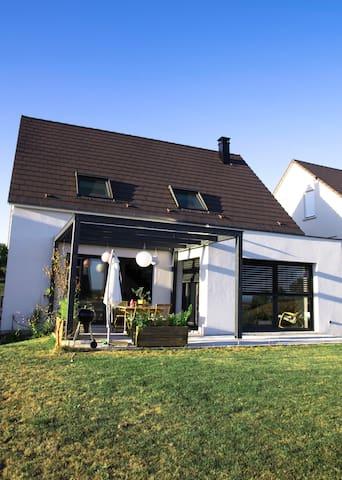 Maison lumineuse au calme à 25min de Strasbourg. - Schnersheim - Casa