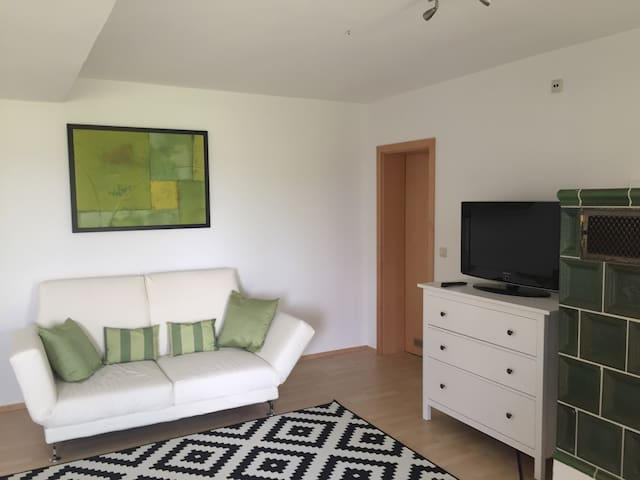Schöne 1-Zimmer-Wohnung Vogtareuth - Vogtareuth - Apartamento