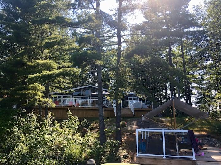 Modern Muskoka Cottage