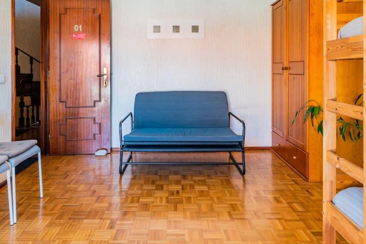 Casa Azulejos Matosinhos: Private Room, Breakfast