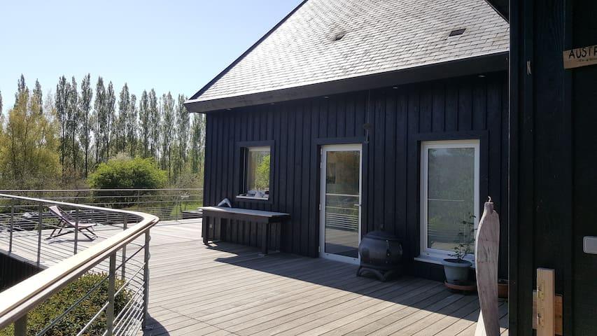 """""""Le bout du bout"""", maison de bord de mer en bois - Moëlan-sur-Mer - Feriehus"""