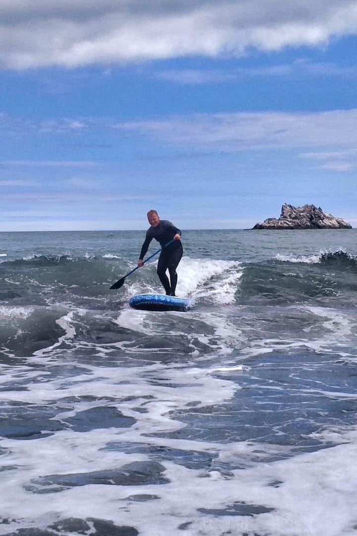 Алексей демонстрирует сап- серфинг